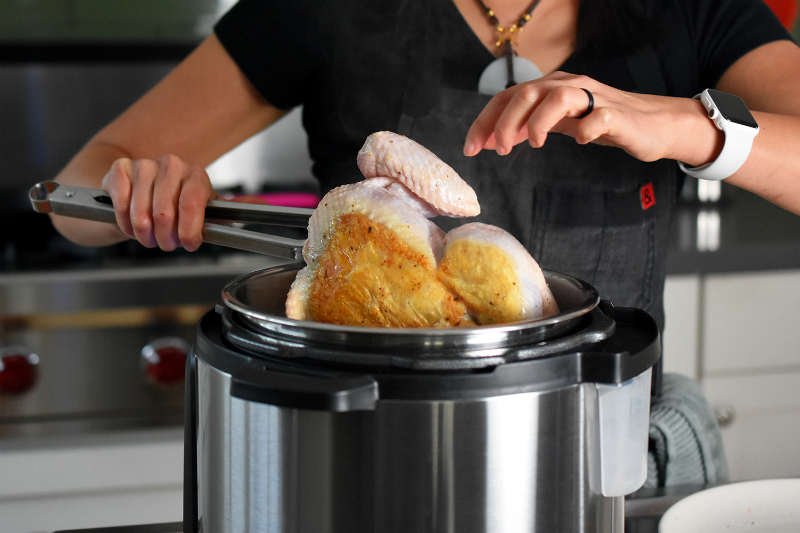 Instant Pot (Pressure Cooker) Chicken and Gravy by Michelle Tam / Nom Nom Paleo http://nomnompaleo.com